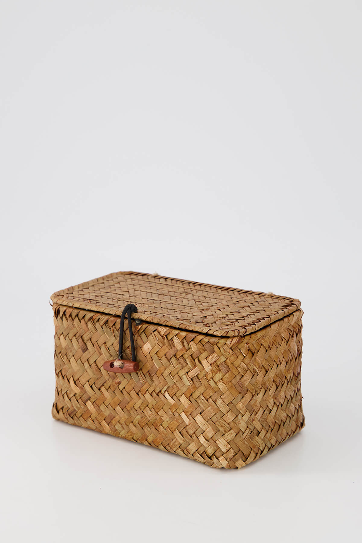 Weaved basket product photography automated